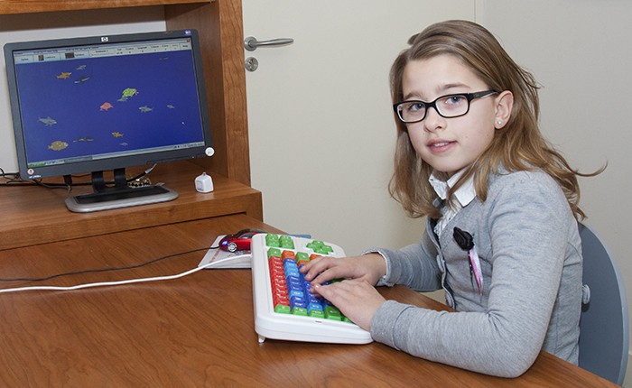 zorg hulpmiddelen een computer met kind