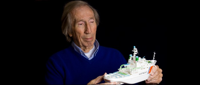 Foto opdracht ouderen met boot
