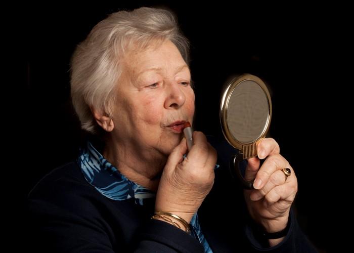 Foto opdracht ouderen spiegel